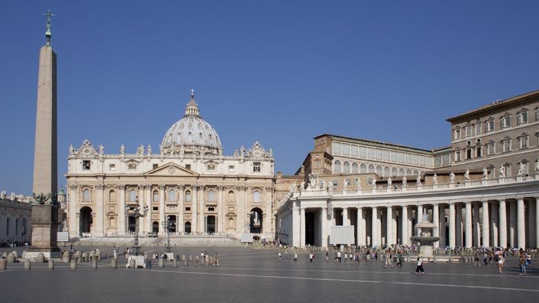 Roma Vaticano Basilica di San Pietro Piazza Colonnato Bernini