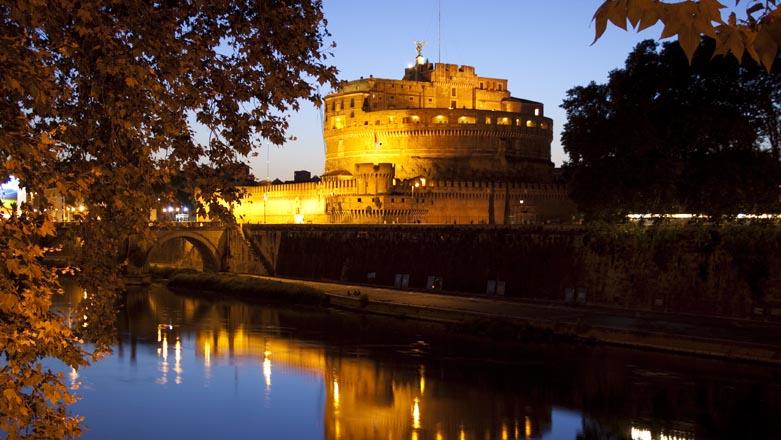 Roma Castel Sant'Angelo di sera