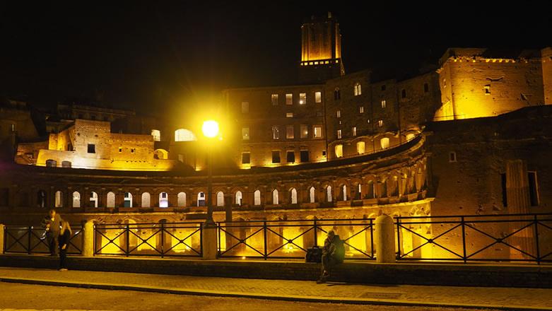 Roma Mercati di Traiano di notte